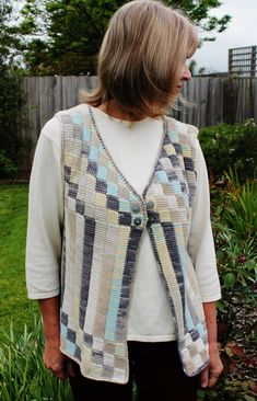 Crochet pattern for an Entrelac cotton vest using by kayeadolphson