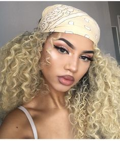 Blonde Curls & Instagram Makeup