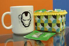 Que tal organizar seus chás de forma diferente? Aprenda a criar um porta-chá usando uma caixa de leite e alguns materiais de baixo custo.