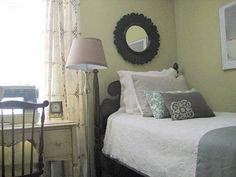 Small Bedroom Ideas How to Maximize the Space 2