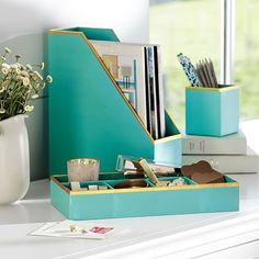 Stylish perfect office desk set printed paper desk accessories set solid pool with gold trim in home office desk swbpprn Turquoise Office, Teal Office, Teal Desk, Turquoise Home Decor, White Office, Vert Turquoise, Teen Room Decor, Home Office Decor, Tiffany Blue Office