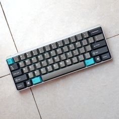 Post with 21 votes and 2157 views. Tagged with lambo, mechanicalkeyboard, zealios; Shared by swordlaker. Shards of Cyan Keyboard Keys, Computer Keyboard, Computer Desks, Key Caps, Home Office Setup, Gaming Setup, Linux, Gaming Desktops, Gaming Rooms