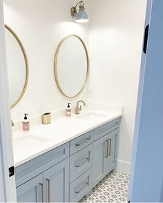 A build up well known master bathroom tips! Grab tips and tricks to create your perfect master bathroom! Curated by Rebekah Dempsey of A Blissful Nest. Bathroom Kids, Modern Bathroom, Master Bathrooms, Minimal Bathroom, Dream Bathrooms, Marble Bathrooms, Bathroom Mirrors, Blue Bathroom Vanity, Girl Bathroom Decor