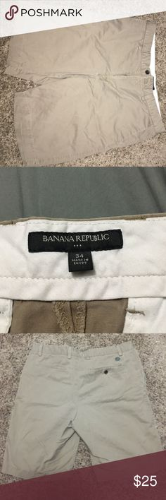 Banana Republic size 34 men's shorts. NWOT NWOT size 34 Banana Republic tan shorts. Make offer if price is too high! Banana Republic Shorts Flat Front