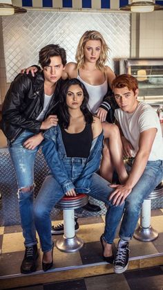 Watch Riverdale - Season 4 Episode 1 : Chapter Fifty-Eight: In Memoriam TV Shows Online Riverdale Poster, Kj Apa Riverdale, Riverdale Netflix, Watch Riverdale, Riverdale Aesthetic, Riverdale Betty, Riverdale Funny, Riverdale Memes, Archie Comics
