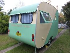 Vintage 1956 Bondwood caravan .... Airport Hilton Motel