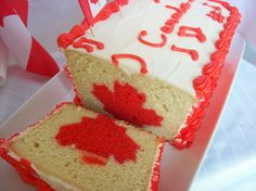 O Canada Day Cake is a patriotic and delicious way to celebrate our special day on July The moist and dense vanilla cake is great for a picnic or barbeque. Baking Recipes, Cake Recipes, Dessert Recipes, Dessert Bread, Vegan Recipes, Fondant Cakes, Cupcake Cakes, Cupcakes, Rhubarb Bread Pudding