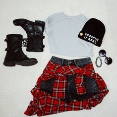 fashion grunge outfit: Creepin It Real beanie, ASOS grey crop top, plaid jacket, combat boots, choker Grunge Outfits, 90s Fashion Grunge, Hipster Outfits, Cute Outfits, Fashion Outfits, Bar Outfits, Vegas Outfits, Woman Outfits, Tomboy Fashion