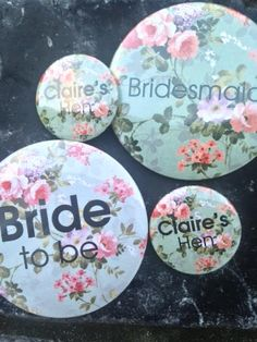Pretty vintage floral hen party badges by thehenplanner.com.