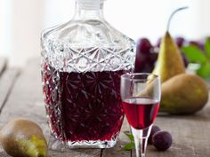 Pear and plum liqueur – smarter – time: 25 min. Vodka Slush, Vodka Cocktails, Alcoholic Drinks, Bar Drinks, Coffee Drinks, Elderflower Martini, Pear Liqueur, Coconut Vodka, Best Summer Cocktails