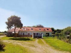 Vakantiehuis PC61 in Pas de Calais, Noord-Frankrijk. 12-persoons vakanitehuis op 7 km van zee.