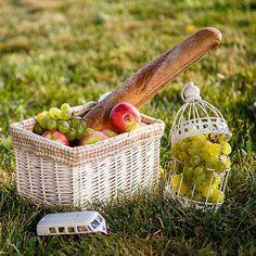 Ещё один летний семейный пикничок)  #seiyk #elenaseiryk #izmail #ukraine #odessa #измаил #одесса #украина #фотосессия  #childandfamilyphotographer #детскийфотограф #семейныйфотограф #пикник #любимаяработа #picnic #lovelyjob #ilovemyjob #ilovekids #familymemories #summertime #sunsetlovers #happyday #happymemories #picnicking #лето #закат #семья #picnicbasket #fruit #фрукты