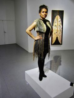.hone bailey Woman Fashion, Runway Fashion, Flax Weaving, Maori Designs, Maori Art, Fibre Art, Kappa, Kiwi, Textile Art