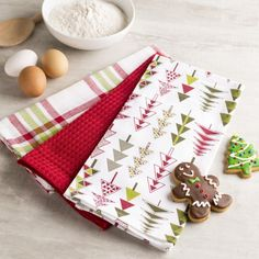 Add a little holiday cheer to your kitchen decor with a set of Harman Christmas Cotton Kitchen Towels.