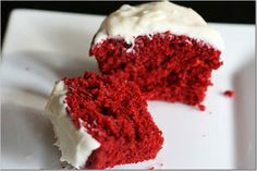 Method Preheat oven to 180°C/350°F/Gas Mark 4. Line a 12 cupcake tin with paper cases. Beat butter or margarine and sugar in a bowl until light in colour. Add the flour, eggs, drinking chocolate, water and red colouring. Beat well…