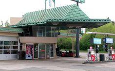Google Image Result for http://www.roadtripamerica.com/roadside/Minnesota-Cloquet-Frank-Lloyd-Wright-Gas-Station-01.jpg