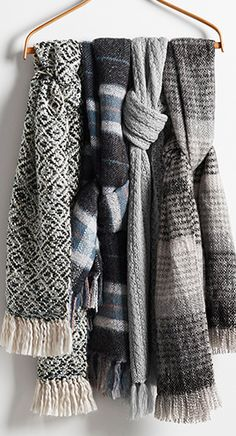 warm cozy scarves  http://rstyle.me/n/utc5epdpe