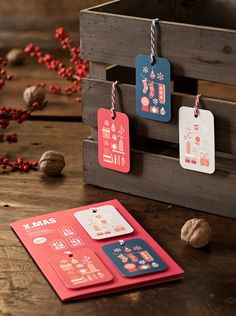 Bunt illustrierte Geschenkanhänger für Weihnachten / colourful illustrated gift tags for christmas, holiday season made by Goods and Better via DaWanda.com