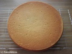 Sienikakkupohja Cornbread, Ethnic Recipes, Tuli, Food, Millet Bread, Essen, Meals, Yemek, Corn Bread