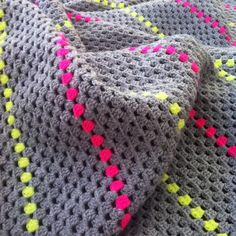 A simple crochet granny stripe blanket made from grey and neon yellow and pink acrylic yarn Granny Square Häkelanleitung, Granny Square Crochet Pattern, Crochet Granny, Crochet Yarn, Crochet Stitches, Granny Squares, Crotchet, Easy Crochet, Crochet Afghans