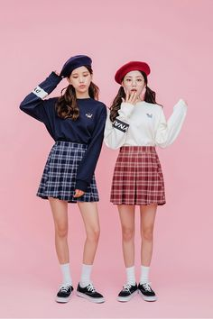 Dress To Impress With These Top Fashion Tips. Do you want to know more about fashion and look great? Kawaii Fashion, Cute Fashion, Girl Fashion, Fashion Outfits, Fashion Design, Twin Outfits, Dope Outfits, Korea Fashion, Asian Fashion