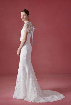Oscar de la Renta Wedding Dress - Fall 2016 - Brides.com