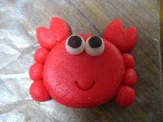 fondant crab for beach cake