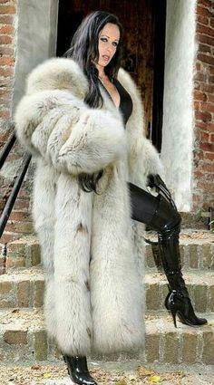 ...beautiful fox fur coat!!!