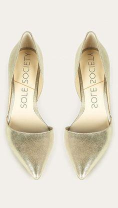 Metallic mid heel d'Orsay pump