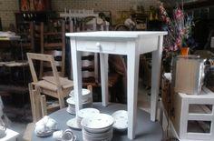 oud keuken tafeltje