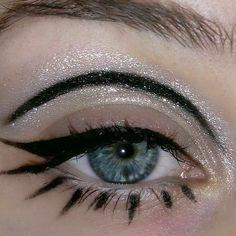 Retro Makeup, Edgy Makeup, Grunge Makeup, Eye Makeup Art, Pink Makeup, Cute Makeup, Girls Makeup, Makeup Inspo, Makeup Inspiration