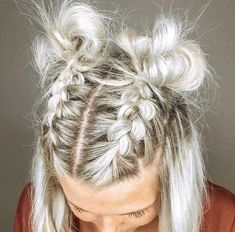 20 Best Simple Short Hairstyles That Can Inspire You Trend bob hairstyles 2019 - 20 Beste einfache kurze Frisuren, die Sie inspirieren können Hairdos For Short Hair, Short Hair Styles Easy, Pretty Hairstyles, Bob Hairstyles, Medium Hair Styles, Curly Hair Styles, Hairstyle Ideas, Short Braided Hairstyles, Summer Hairstyles