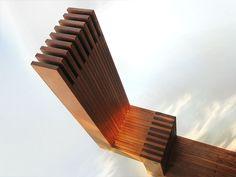 Trone designed by Alfred van Elk for art event Symposion Gorinchem. Seat.