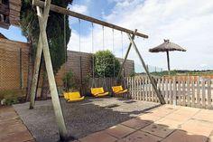 GIRONA casa rural El Graner en Saus Camallera Llampaies. Alojamiento rural en el complejo Can Gat Vell, compuesto por 2 #masías del siglo XVIII. Capacidad para 4 personas con 2 dormitorios, baño, cocina, comedor y sala de estar en un mismo ambiente y pequeño patio. Espacios comunes como #piscina #pistas_deportivas #granja o realizar actividades en la zona como #paseos_caballo #canoas #vuelos_en_helicóptero o #vuelos_en_globo. A 17km de las #playas_Costa_Brava #Girona…