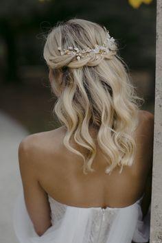 LYRIC Floral hair piece in pale gold wedding headpiece for Down Hairstyles, Wedding Hairstyles, Party Hairstyles, Short Hairstyles For Prom, Quinceanera Hairstyles, Homecoming Hairstyles, Everyday Hairstyles, Headpiece Wedding, Wedding Veils