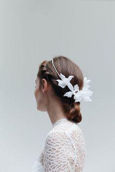 - Silk-flower-freshwater-pearl-boho-wedding-headpiece