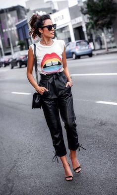 How to Style Leather Pants for Fall. Source by pants outfit October Outfits, Summer Outfits, Casual Outfits, Fall Outfits, Mode Outfits, Fashion Outfits, Womens Fashion, Fashion Trends, Fashion Ideas