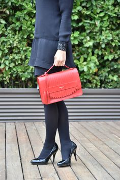 Chiara, #Pomikaki Bag in #AuroraRed #Pantone2016 #fallwintercollection #womanfashion #fashion #accessories #bags #handbag   Price: 158,00€