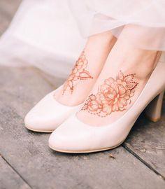 foot Mehndi/Henna Design all new design Eid Design Pretty Henna Designs, Modern Henna Designs, Stylish Mehndi Designs, Latest Bridal Mehndi Designs, Modern Mehndi Designs, Wedding Mehndi Designs, Henna Designs Easy, Mehndi Designs For Fingers, Mehndi Designs For Hands