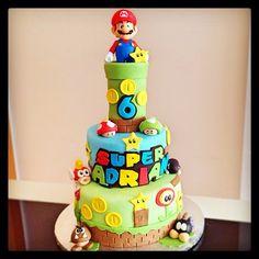 Super Mario Cake. Video Game Cake. Photo taken by @dulcinoelia on Instagram