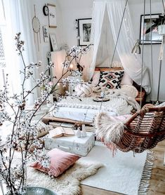 Room Ideas Bedroom, Home Bedroom, Shabby Bedroom, Modern Bedroom, Eclectic Bedrooms, Whimsical Bedroom, Blush Bedroom, Warm Bedroom, Stylish Bedroom