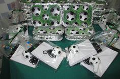 Festa+futebol+(1).jpg (1600×1064) / Recuerdo con silbato de futbol...