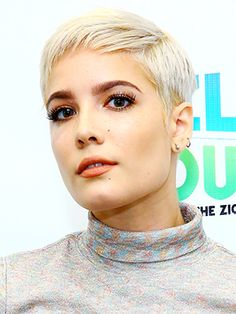 Halsey may have had chart-topping sales for her debut album this summer, but the singer-songwriter (who counts both Bieber and Ruby Rose as BFFs) is just as well known for her ever-shifting hairstyles. This year alone she's shown off...