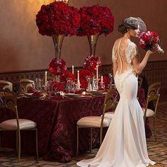 Velas e rosas vermelhas!  . Repost de @strictlyweddings  #prontaparaosim #