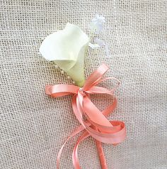 This is a beautiful and adorable Flower Girl Calla lily Wand! Let that little girl wave this beautiful wand around and feel like a princess! This Wand