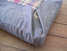 Jezze Prints: Upholstery for the lazy girl! Jezze Prints: Upholstery for the lazy girl! Caravan Upholstery, Upholstery Cushions, Patio Cushions, Pillows, Caravan Makeover, Caravan Renovation, Couch Cushion Covers, Sofa Covers, Camper Cushions