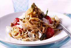 Unser beliebtes Rezept für Spaghetti mit Salbei-Nussbutter und mehr als 55.000 weitere kostenlose Rezepte auf LECKER.de.