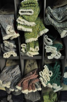 lindasinklings:    socks, socks.  via (hemingwaycool)