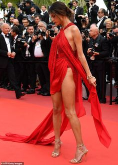 Alessandra Ambrosio takes style notes from Bella Hadid and THAT red dress Alessandra Ambrosio, Fashion Models, Red Fashion, Bella Hadid, Beautiful Legs, Gorgeous Women, Beautiful Red Dresses, Modelos Guess, Sexy Dresses