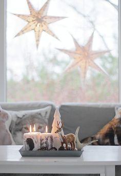 75 Amazing Living Room Decoration Ideas for Christmas - Easy Recipes Christmas Mood, Christmas Candles, Little Christmas, Christmas Decorations, Christmas Stuff, Winter Home Decor, Winter Magic, Christmas Inspiration, Merry Christmas
